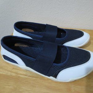 Lands End Mary Jane Water Shoes 9.5 navy white